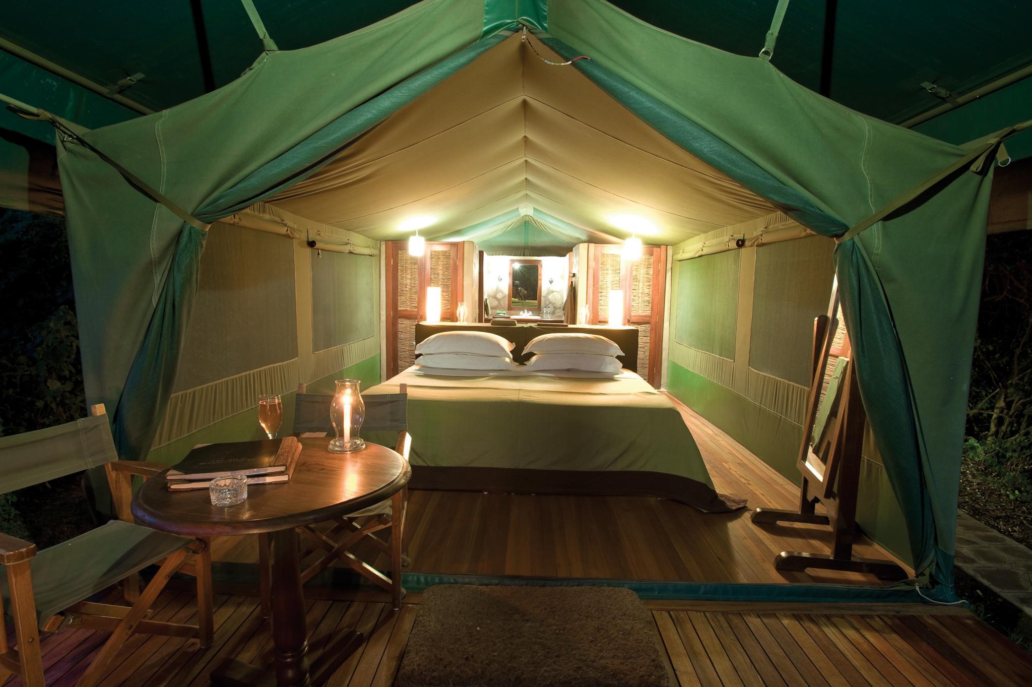 入住东非玛沙玛野生动物保护区克奇娃营地帐篷